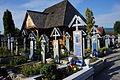 Magazin obiecte religioase in cimitir Sapanta.JPG