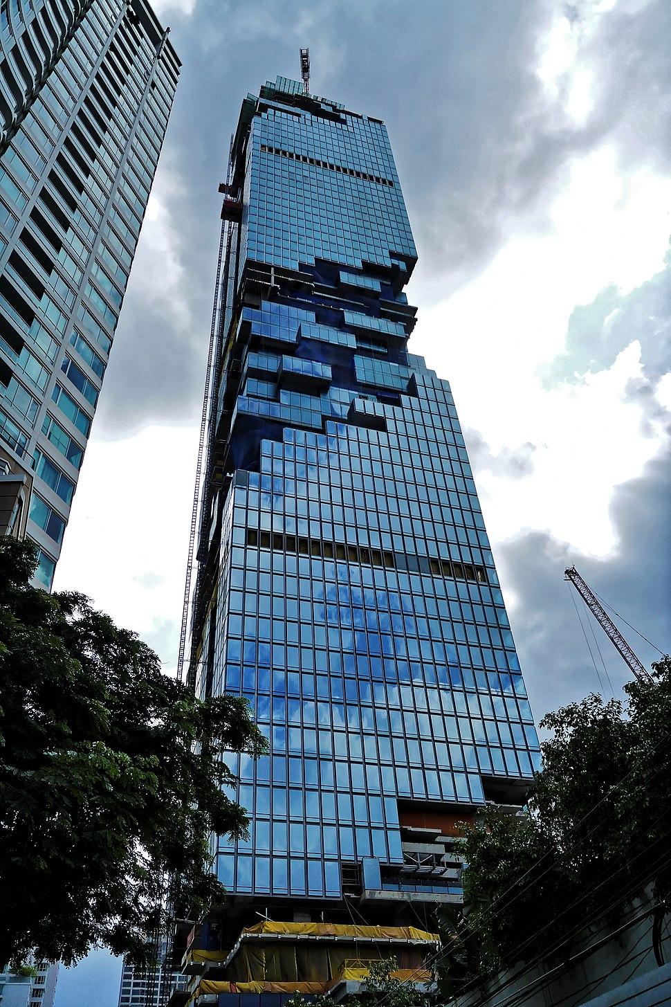 MahaNakhon Tower unfinished (Bangkok Thailand) (20275977358)