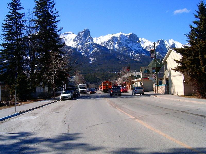 File:Mainstreet Alberta Canmore looking west HPIM4266.JPG