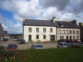 The town hall in Plouguin