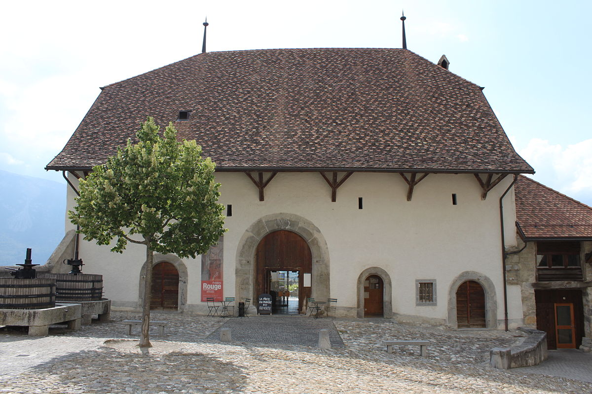 Maison de la d me aigle wikip dia for Emploi restauration suisse