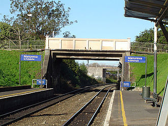 Manurewa railway station - A 2005 image, looking south from the old station toward the location of the new station, which is beyond the second bridge.