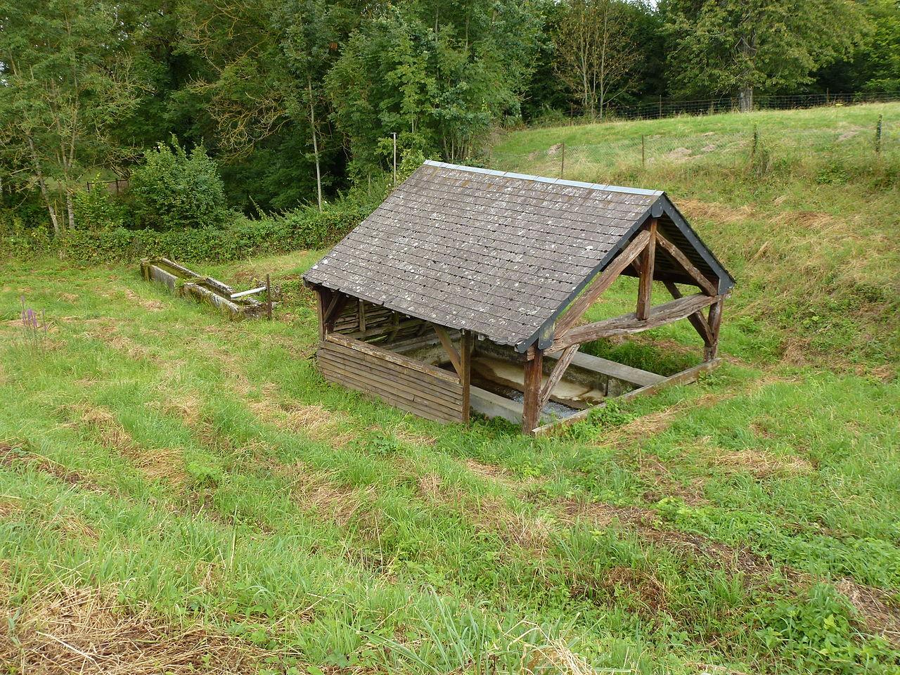 Maranwez (Ardennes) lavoir.JPG