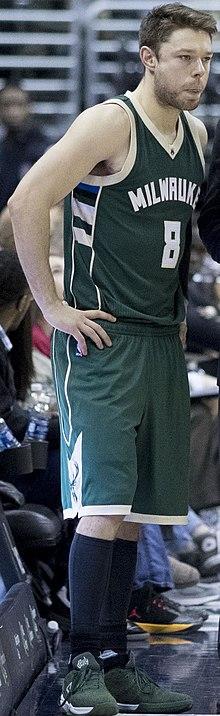 e0e0f5d56 Matthew Dellavedova - Dellavedova with the Milwaukee Bucks in 2016