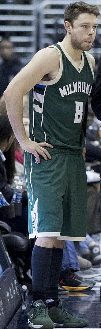 Matthew Dellavedova - Dellavedova with the Milwaukee Bucks in 2016