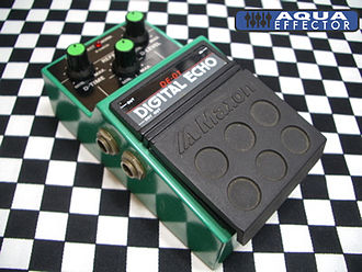 Echo chamber - Maxon DE-01 digital echo sound effect pedal