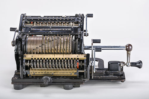 Mechanical-calculator-Brunsviga-15-01.jpg