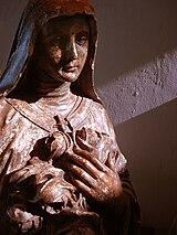 Detalhe de estátua-molde de Santa Teresa de Lisieux. Um exemplar acabado desta peça está no Museu Municipal de Caxias do Sul