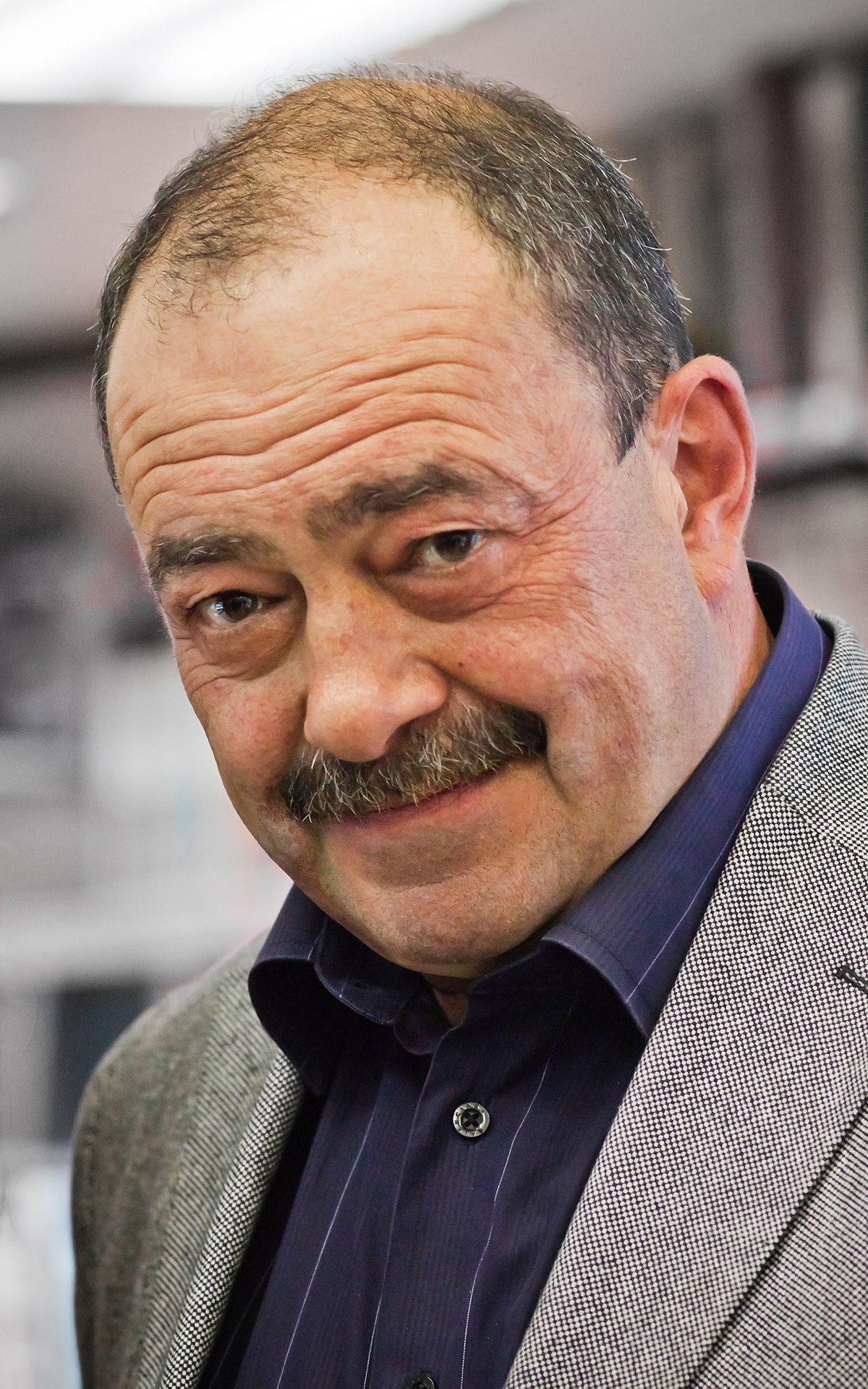 Михаил кожухов журналист биография
