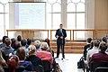 Ministru prezidenta Valda Dombrovska vieslekcija Rīgas Valsts 1.ģimnāzijas audzēkņiem par eiro ieviešanu (8618177569).jpg