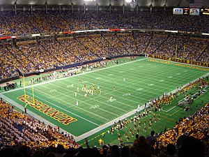 Minnesota Golden Gophers football - Gopher football inside the Metrodome