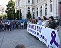 Minuto de silencio por el asesinato de una vecina de Collado-Villalba, víctima de la violencia de género 03.jpg