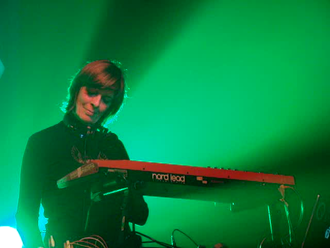 "Miquette Giraudy - Giraudy playing keyboards in London at the nightclub ""Heaven"" in February, 2008"