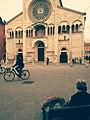 Modena - Corso Duomo con cane e bicicletta.jpg