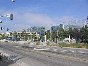 Moffett Park station - Image: Moffett Park VTA 1084 01