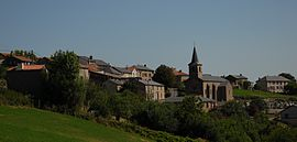 The church and surrounding buildings in Montclar