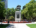 Monumento a San Martín Quilmes.jpg