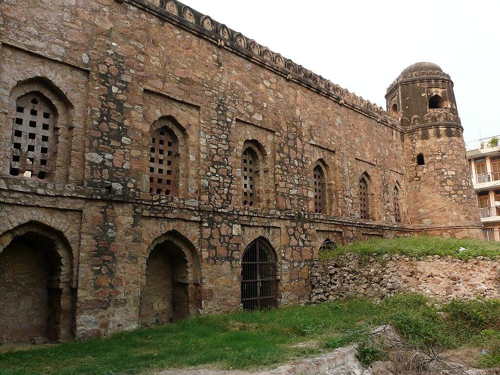 Revisiting delhi 39 s forgotten monuments for Mosque exterior design