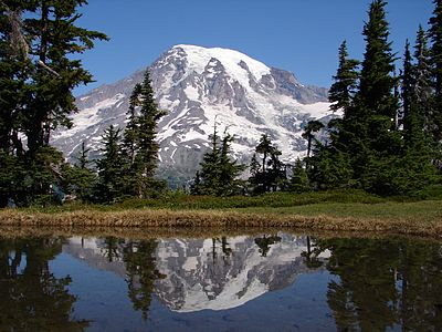 Mount Rainier and lake reflection.jpg