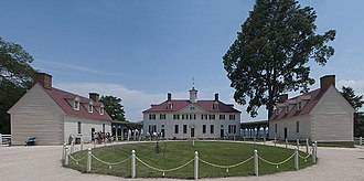 Mount Vernon - In classic Palladian style, on the western side, the main house is flanked by advancing, single-story secondary wings creating a cour d'honneur