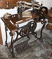 Museo Etnológico de Puerto Seguro - Máquina de coser zapatos 1 (25330756139).jpg