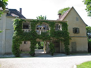 a small stately home on the Ilm in the Tiefurt quarter of Weimar