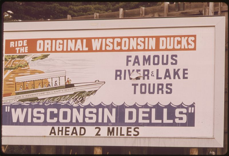 File:NEAR THE TOWN OF WISCONSIN DELLS THE WISCONSIN RIVER CHANNELS THROUGH DEEP, SOFT SANDSTONE CLIFFS, CUTTING THE ROCK... - NARA - 554175.jpg