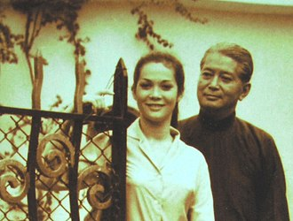 Nancy Kwan - Nancy Kwan and her father, Kwan Wing Hong, 1956