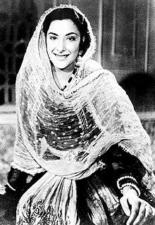 First Actress to win Padma Shri AwardNargis