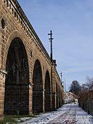 Neisseviadukt Görlitz Zgorzelec Oberleitungsmast.JPG
