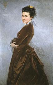 Portrait en demi-corps, en robe marron, tournée vers la gauche mais la tête de face