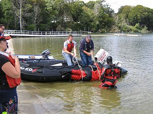 Underwater search and recovery - Parbuckling a casualty onto the boat