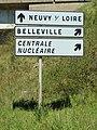Neuvy-sur-Loire-FR-58-panneau routier-01.jpg