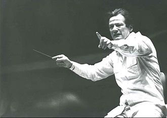 Neville Marriner - Marriner conducting in the 1980s