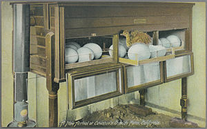 Incubator (egg) - Image: New Arrival at Cawston's Ostrich Farm, California. (pcard print pub pc 70a)