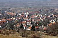 Nikolčice - pohled od jihu.jpg