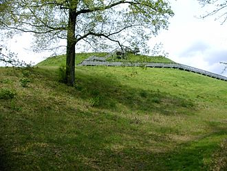 Ocmulgee Mounds National Historical Park - Image: Ocmul Temp Mnd