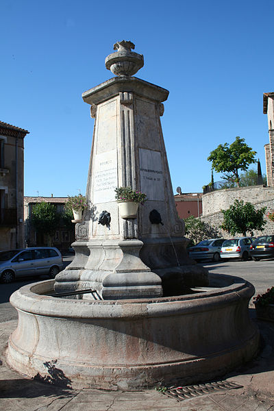 Octon (Hérault) - fontaine.