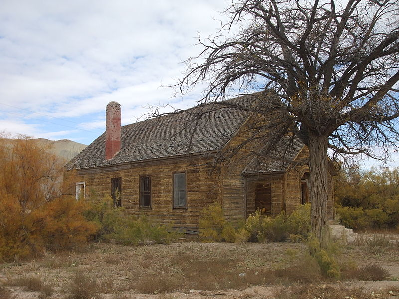 File:Old church Caineville Utah.jpeg