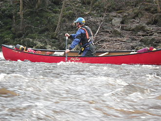 Old Town Canoe - Old Town Canoe 'Discoverer 150' in use on the River Ure, England