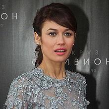 Olga Kurylenko - Wikipedia