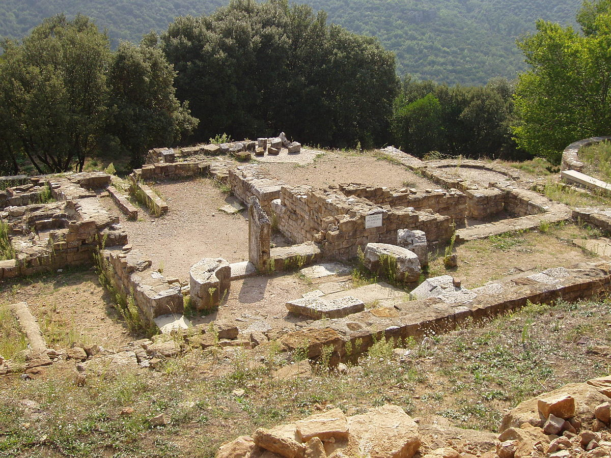 Oppidum de Gaujac (Gard) les thermes.JPG
