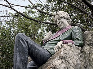 Oscar Wilde Memorial Sculpture - The statue of Wilde in 2010