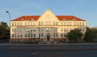 Ostrów Wielkopolski - Image: Ostrów Wielkopolski ul.Wrocławska 51, Gimnazjum nr 1