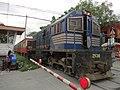 PNR Kiha 52 (ex-JR) train (Anonas Street, Santa Mesa, Manila)(2017-07-12) 2.jpg
