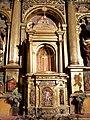 Pancorbo - Iglesia de Santiago, interior, retablo mayor 02.jpg