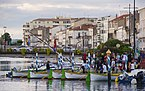 People before rowing training, Sète 01.jpg