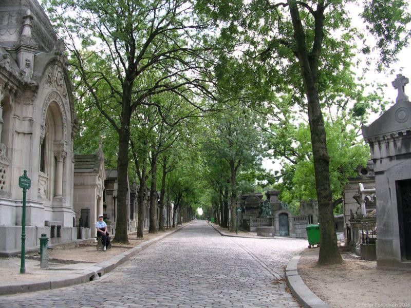 Файл:Pere Lachaise Avenue De La Chapelle.jpg