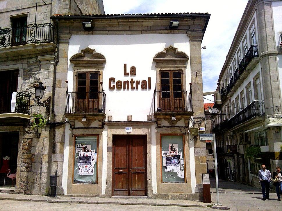 Pereira de Castro Fachada Rúa Triunfo 03