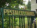 Pestalozzi-Stiftung Hamburg gate Diestelstraße.JPG